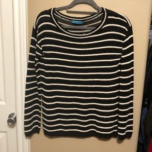 Alice + Olivia Crewneck Cable knit sweater XS ❤️